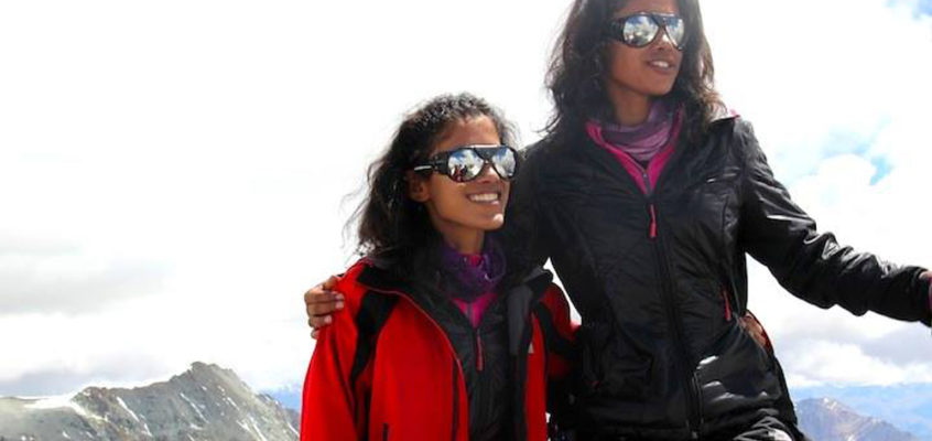 First siblings to reach the two Poles